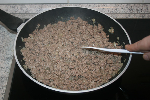 18 - Hackfleisch krümelig anbraten / Roast ground meat crumbly