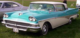 1958_Ford_Fairlane_XDG821_3