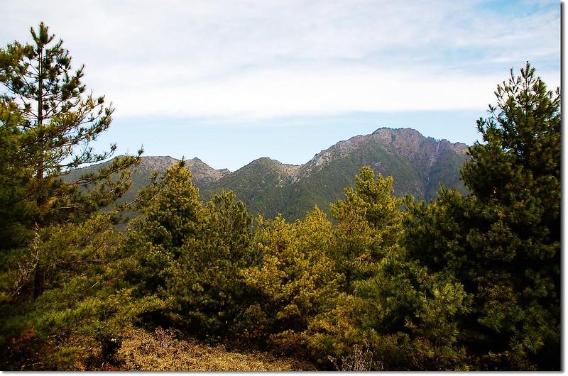 盧利拉駱(L)、丹大山(R)(From 2901峰)