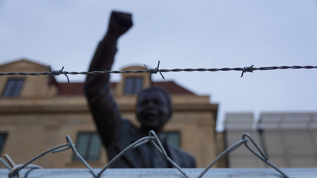 Nelson Mandela Statue - South African Embassy 34017