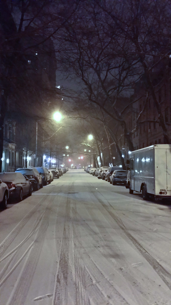 20140103-snowy night street east 90.jpg