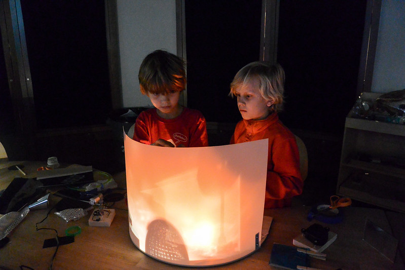 Light Play in the Tinkering Studio