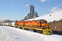 CORP-MMID GP38-3-2066, 2063 switching at Union Bridge, MD