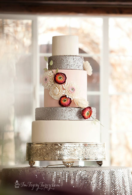 edible-sequins-wedding-cake