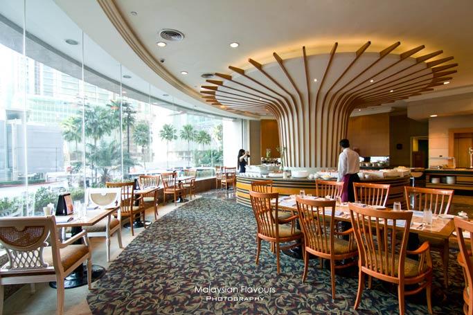 vogue-cafe-renaissance-kuala-lumpur-hotel