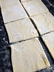 13822005795 5cb6df32e0 m Rowies (croissants ronds écossais)