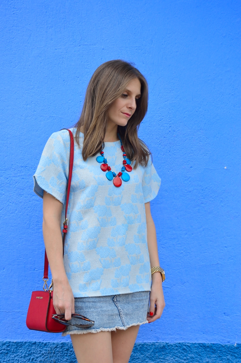 lara-vazquez-madlula-blog-style-blue-red-streetstyle