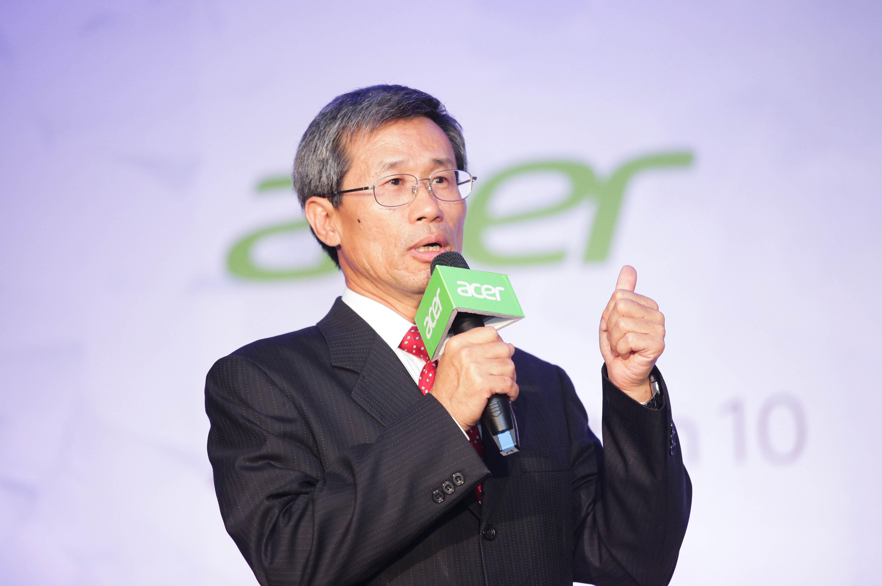 宏碁台灣區營運總部總經理黃鐘鋒