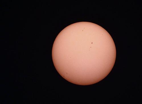 Detail showing sunspots (30/1/2015)