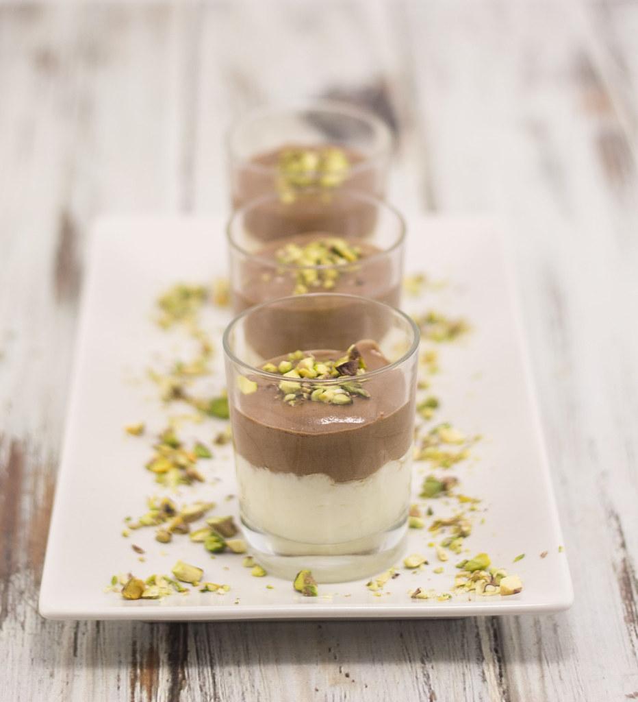 Hvid og mørk chokolademousse (11)