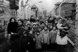 Supervivientes de Auschwitz.
