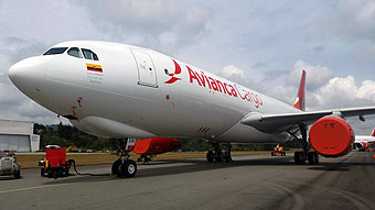 Avianca 5to A330-200F estacionado (Avianca)