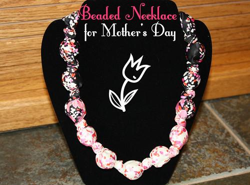 beadednecklace