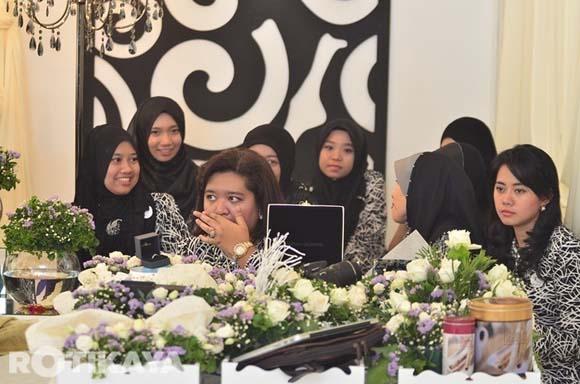 8922521863 fd9745c0bd o Gambar Perkahwinan Izzue Islam dan Awin Nurin