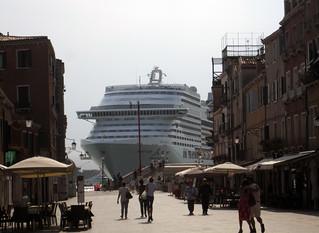 Navire débarquant à Venise...