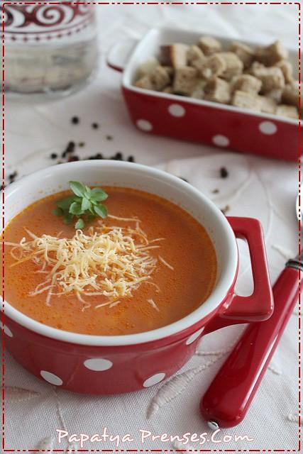 domates çorbası 005