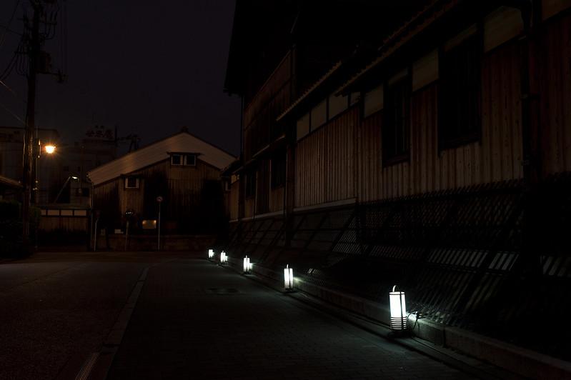 酒蔵通り伏見灯ろうライトアップ