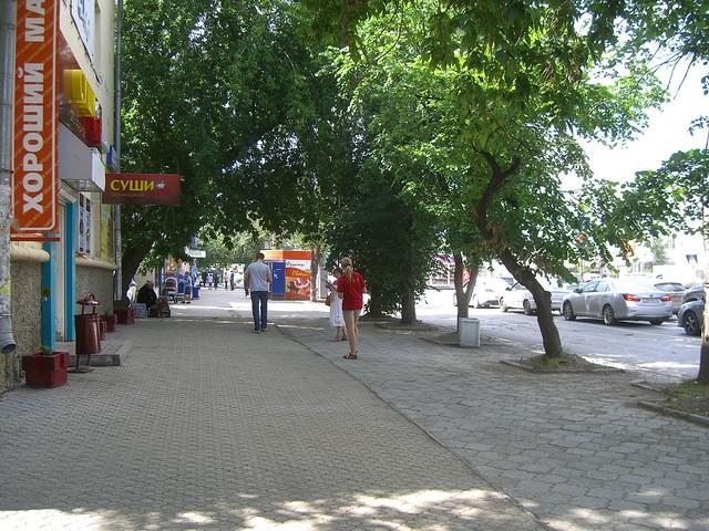Около дома Большакова, 149