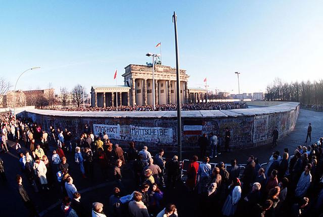 Берлинская стена у Бранденбургских Ворот 1989