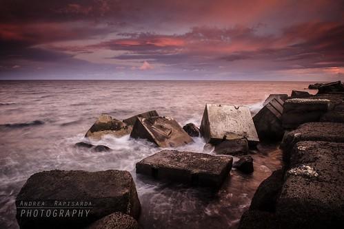 sunset red sea sky italy seascape rouge nikon rocks italia tramonto nuvole cielo sicily rosso sicilia d800 scogli scogliera pozzillo ©allrightsreserved paesaggiomarino nikon2470mmf28