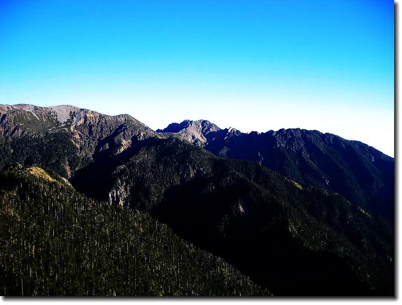 玉山南峰、南玉山稜線(From 玉山西峰)