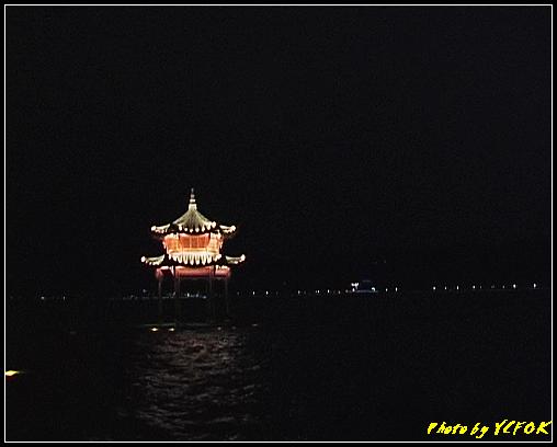 杭州 西湖 (其他景點) - 328 (在西湖十景之 柳浪聞鶯 (近古湧金門) 看西湖湖濱路及西湖畔夜景)