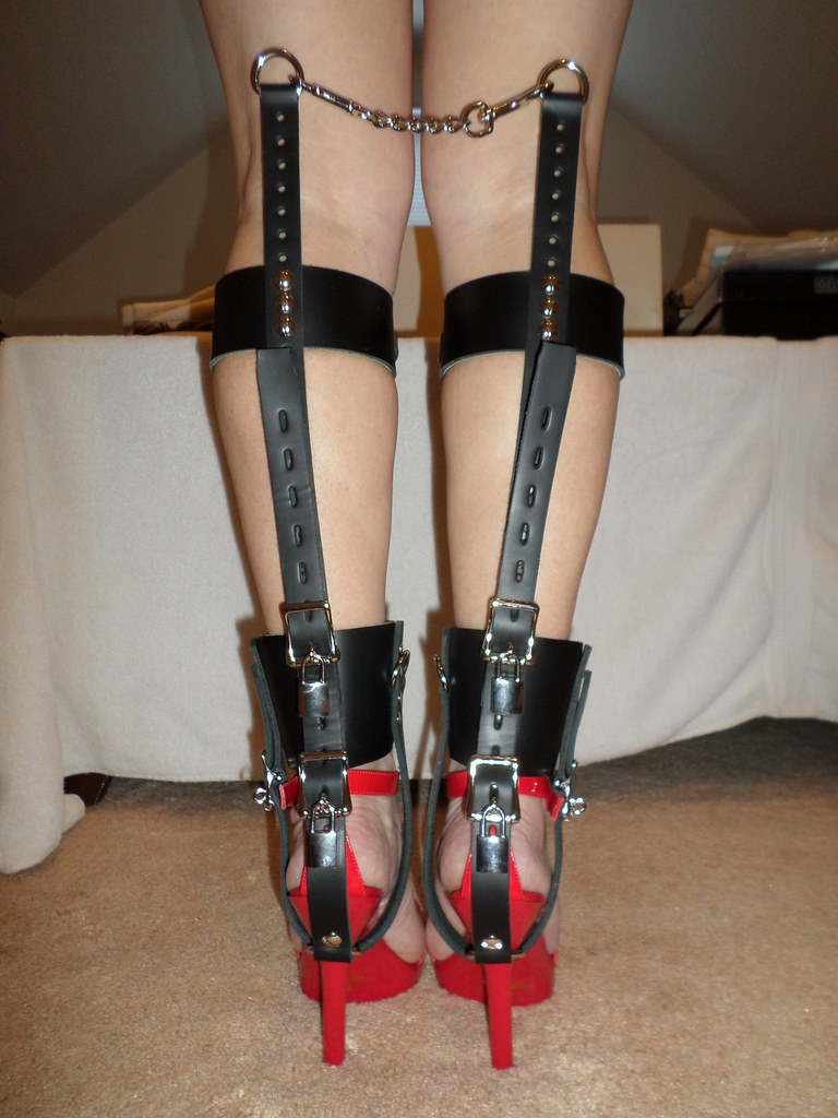 Self bondage leather straps