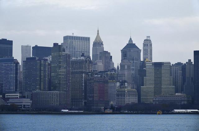 Rascacielos de Nnueva York vistos desde el rio Hudson