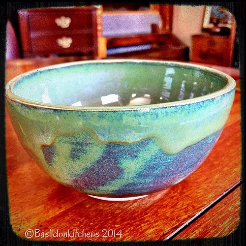 17/3/2014 - green {a one-of-kind gift from a friend that sits on my dresser. It catches small items, like my rings} #photoaday #green #bowl #art #ceramic