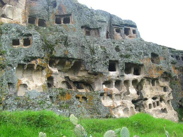 P11-Otuzco Pre Incan Burial Site