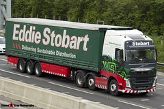 Volvo FH 6x2 Tractor with 3 Axle Curtainside Trailer - KR63 OJJ - H4026 - Jean Hope - Eddie Stobart - M1 J10 Luton - Steven Gray - IMG_8330