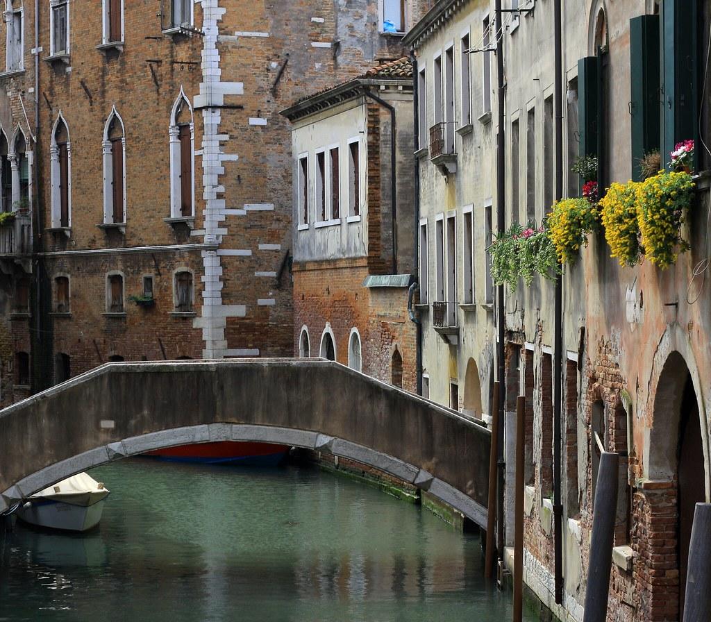 Italy011