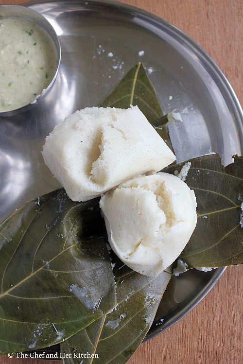 idlis steamed in jackfruit leaves