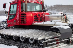 auto racing(0.0), truck(0.0), snowplow(0.0), construction equipment(0.0), vehicle(1.0), transport(1.0), snow(1.0), land vehicle(1.0), tractor(1.0),