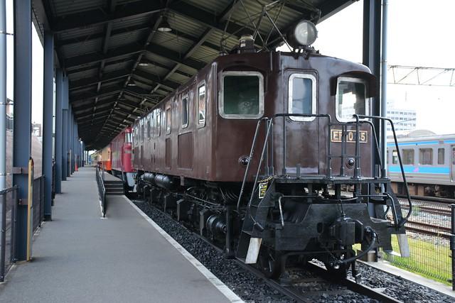 EF10 35