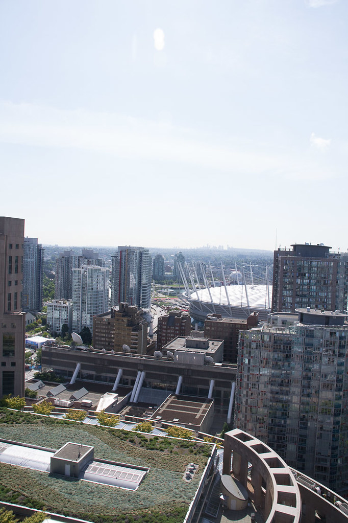 Views of Vancouver at Westin Grand from hotel room balcony