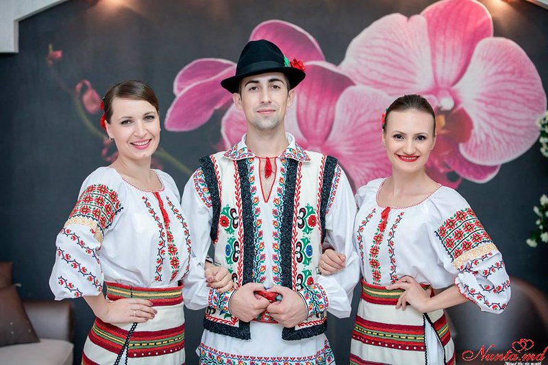 """Танцоры на свадьбу и других торжеств Ансамбль """"Mărțișor"""""""