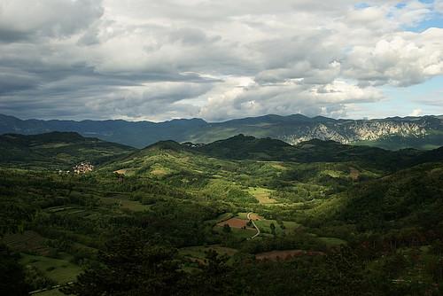 sky green nature clouds landscape spring slovenia slovenija stanjel comeno štanjel sandanieledelcarso