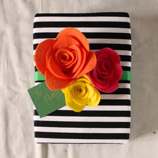 Felt Flower Gift Topper