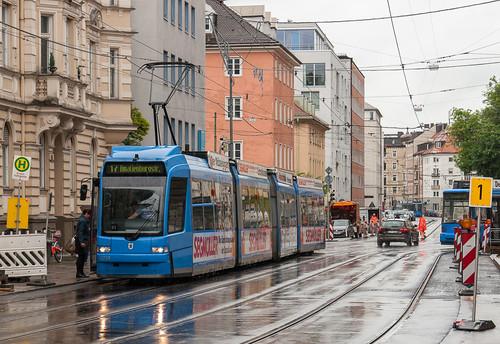 Nach zweieinhalb Monaten Sperre: Hochbetrieb an der Müllerstraße