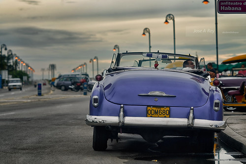 Waiting for you...La Habana, Cuba by Rey Cuba