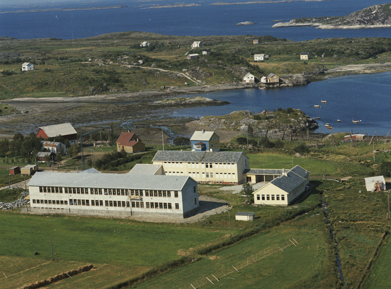 143143 Midtbygda skole, Solfjellsjøen