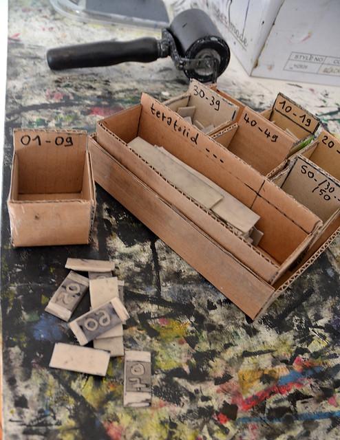 la petite boite en carton flickr photo sharing. Black Bedroom Furniture Sets. Home Design Ideas