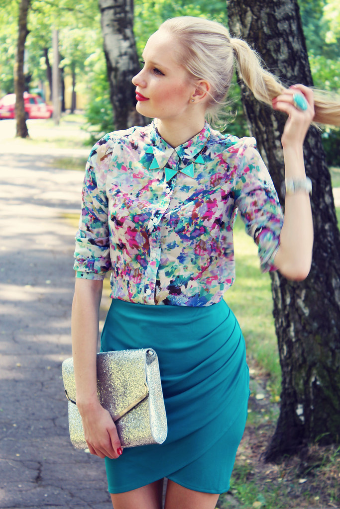floral blouse, turquoise ring, geometric triangle necklace, tulip skirt