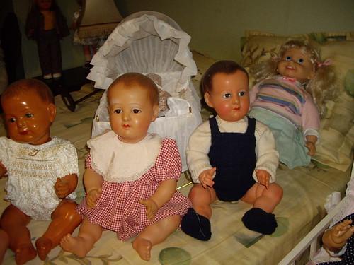Les poupées de ma maison  11367973275_3a2cb6569d