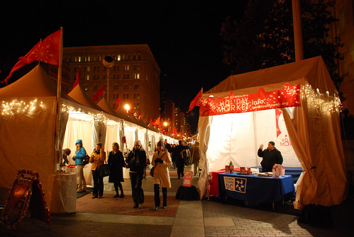 DC holiday market (by: Adam Fagen, creative commons)
