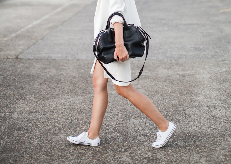 modern legacy fashion blog australia LIUK ivory split midi dress street style Zara blazer Alexander Wang Chastity chain tote bag Ray Ban oversized wayfarers all white summer style (1 of 14)