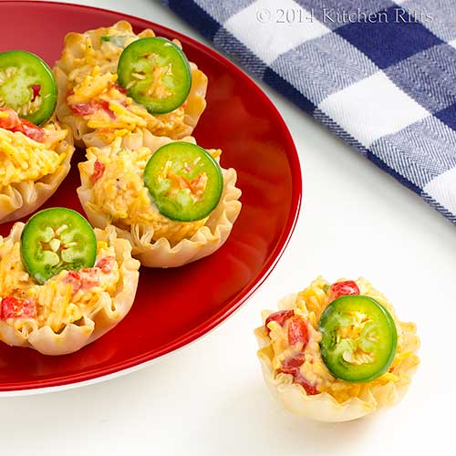 Kitchen riffs jalape o pimento cheese canap s for Canape garnishes