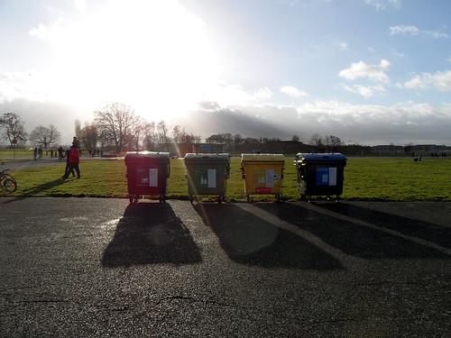 Müllbehälter auf dem Tempelhofer Feld
