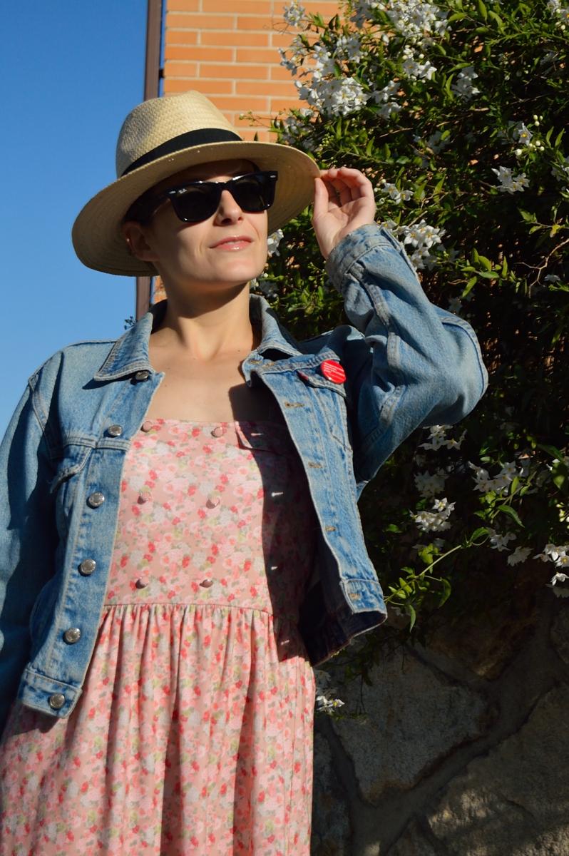 lara-vazquez-madlula-blog-style-look-hat-flower-dress